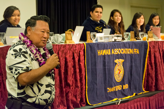 Mayor Alan Arakawa speaks at FFA State Convention