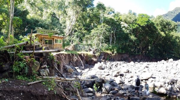 Iao Valley House too close for comfort to the torrent caused by heavy rains